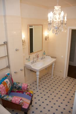 Baños de estilo  por PerfectHome