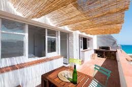 terraza con barbacoa: Terrazas de estilo  de LF24 Arquitectura Interiorismo