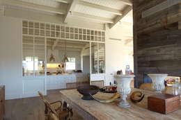moderne Keuken door DEULONDER arquitectura domestica