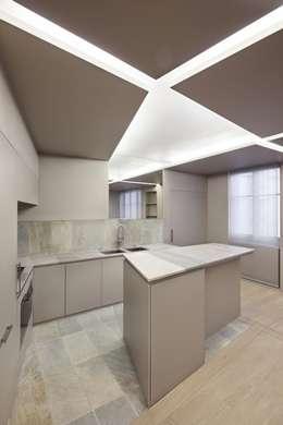 Appartement W: Cuisine de style de style Moderne par Régis Botta - Architectures