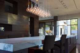 Larmes: Cocina de estilo  por GEO Iluminación Aplicada