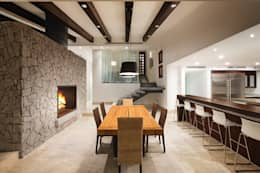 modern Dining room by Juan Luis Fernández Arquitecto