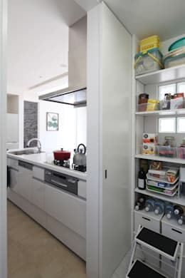 パントリー: atelier mが手掛けたキッチンです。