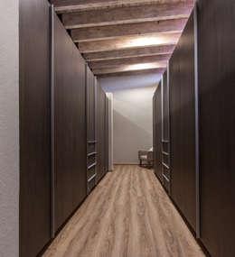 CASA PAULIN: Vestidores y closets de estilo moderno por Cambio De Plano