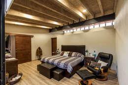 Projekty,  Sypialnia zaprojektowane przez Cambio De Plano