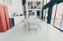 CUISINE/ SALLE A MA,GER: Salle à manger de style de style Moderne par ATELIER ARTEFAKT