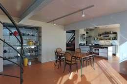 open plan space: moderne Esszimmer von allmermacke