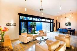 Salle à manger de style de style Moderne par Taller Estilo Arquitectura