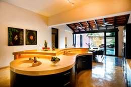 Cocina: Cocinas de estilo moderno por Taller Estilo Arquitectura