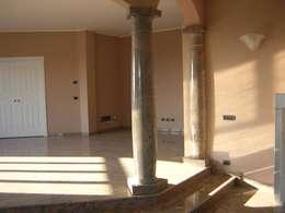 Salas de estilo clásico por Ramella Alessandro snc
