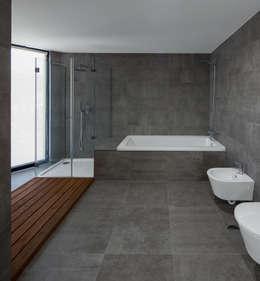 modern Bathroom by PEDROHENRIQUE|ARQUITETO