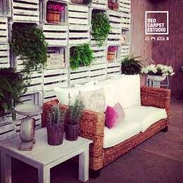 Sofá De hoja de plátano: Balcones y terrazas de estilo rústico por Sand And Garden SA de CV