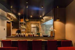 Cocinas de estilo asiático por Innovation Studio Okayama