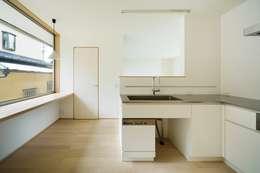 scandinavian Kitchen by 市原忍建築設計事務所 / Shinobu Ichihara Architects