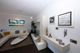 Projekty,  Salon zaprojektowane przez RGROOM
