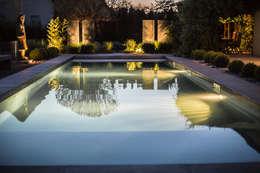 Jardin de nuit: Piscines  de style  par Art Bor Concept