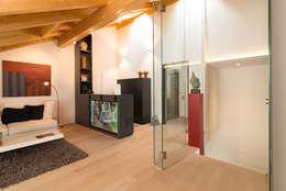 Medienraum / Arbeitsbereich: moderner Multimedia-Raum von archiall2 interiordesign