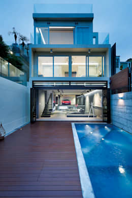 Magazine editorial - House in Sai Kung by Millimeter: modern Houses by Millimeter Interior Design Limited