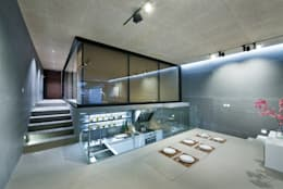 Magazine editorial - House in Sai Kung by Millimeter: modern Kitchen by Millimeter Interior Design Limited