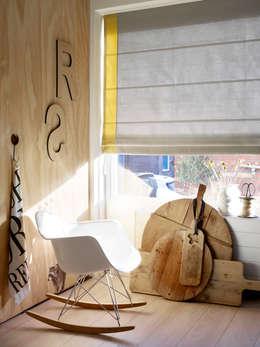 modern Living room by Vadain
