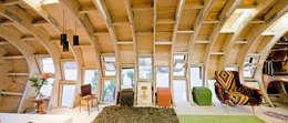 FabLabHouse#01 équipe IaaC: Salle à manger de style de style Moderne par [ADitude*] Architecture