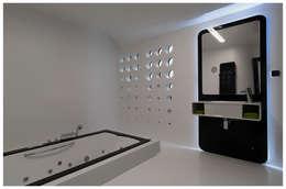 Domy na wodzie : styl , w kategorii Łazienka zaprojektowany przez floatinghouses