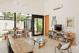 CASA GERSHENSON: Salas de estilo moderno por Gonzalez Amaro