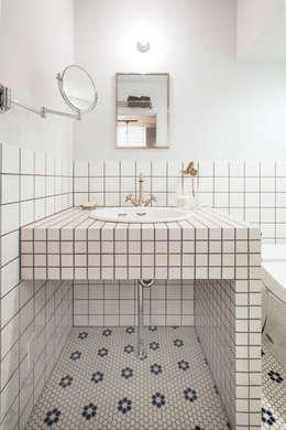 洗面: 株式会社SHOEIが手掛けた洗面所&風呂&トイレです。
