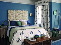 Wightwick and Woodland Animals: Camera da letto in stile in stile Classico di B&B Distribuzione