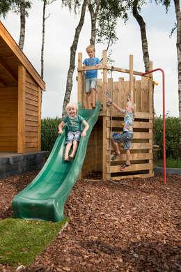 Speeltoestellen: scandinavische Tuin door NuBuiten.nl