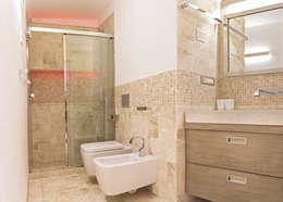 Ванные комнаты в . Автор – Architetti Porto Cervo