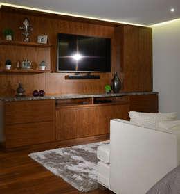Habitaciones de estilo moderno por VICTORIA PLASENCIA INTERIORISMO