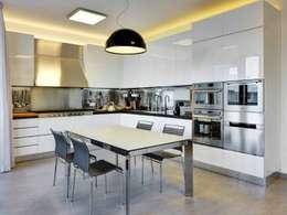 Cocinas de estilo moderno por Studio Marco Piva
