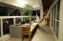 Apartamento Águas Claras: Terraços  por Giovana Martins Arquitetura & Interiores