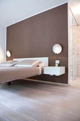 minimalistic Bedroom by Semplicemente Legno