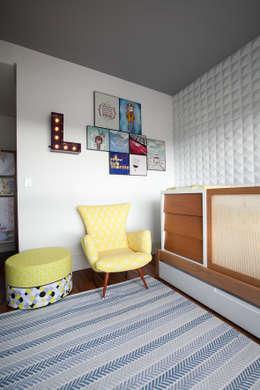 Apartamento Itaim : Quarto infantil  por Arquitetura Juliana Fabrizzi