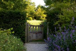 Projekty,  Ogród zaprojektowane przez Bowles & Wyer