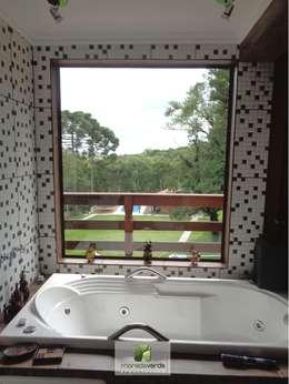 Moradaverde Arquitetura: kırsal tarz tarz Banyo