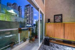 apto cobre/blue: Terraços  por Casa100 Arquitetura
