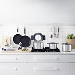 Cocinas de estilo moderno por Eva Solo
