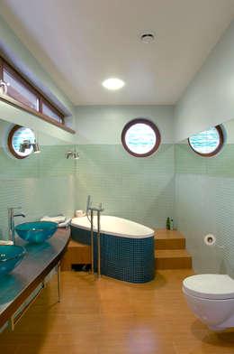 Banana House: styl , w kategorii Łazienka zaprojektowany przez Duende Dominika Brodnicka