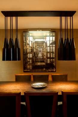Salle à manger de style de style Moderne par Pureza Magalhães, Arquitectura e Design de Interiores