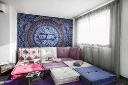 Salas de estilo mediterráneo por Alessandro Corina Interior Designer