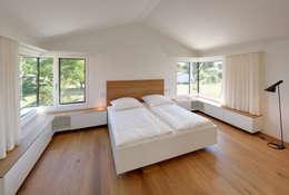 Спальни в . Автор – Möhring Architekten