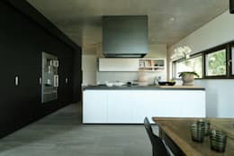 Single Family House: modern Kitchen by Blocher Blocher India Pvt. Ltd.