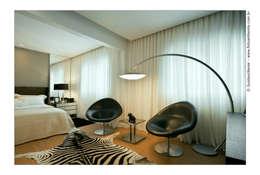 Dormitorios de estilo moderno por Cassio Gontijo Arquitetura e Decoração