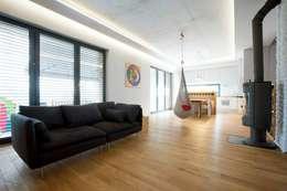 Kasztanowa - salon: styl , w kategorii Salon zaprojektowany przez ABU Wnętrza