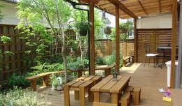 日向石を使った庭を使った庭: 株式会社粋の家が手掛けた庭です。