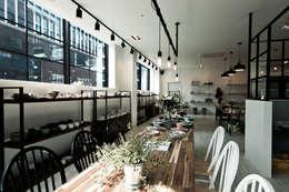 킨포크 스타일 라이프 스타일 샵 <하루키친>: 디자인투플라이의  주방