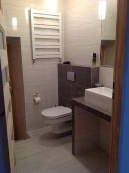 Ванные комнаты в . Автор – STUDIO BB ARCHITEKCI TOMASZ BRADECKI